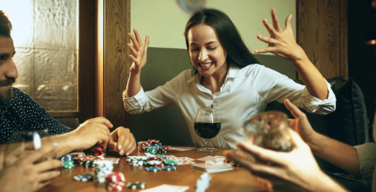 Straddle !在德州扑克中是什么样的魔法?