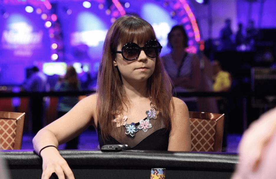 德州扑克是技术游戏 !天才少女Obrestad全程不看底牌夺冠!