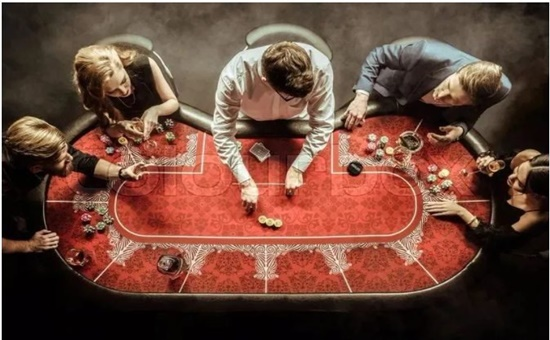 """在德州扑克中看懂""""可玩指数"""",你也就知道了哪些起手牌能玩,哪些不能玩"""